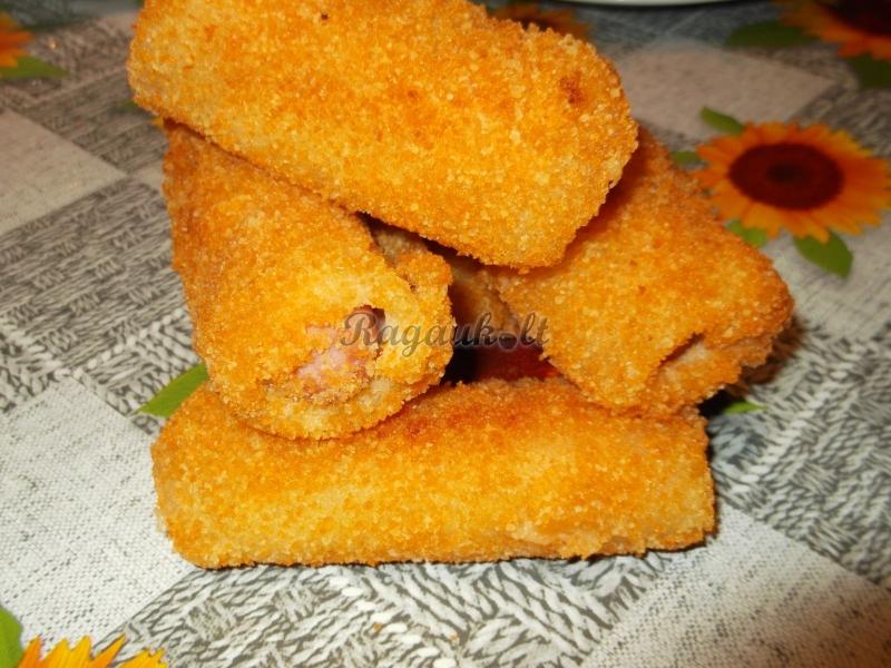 Forminės duonos pyragėliai su dešrelėmis