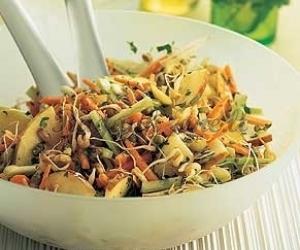 Daigintų kviečių salotos