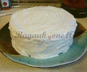 Tortas su grietinės kremu