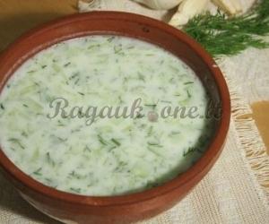 Šalta sriuba su agurkais