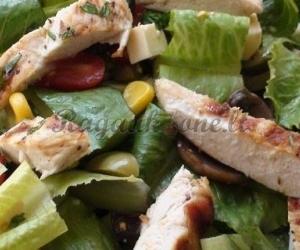 Česnakinės paukštienos salotos