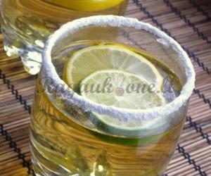 Mėtų-citrinų gėrimas