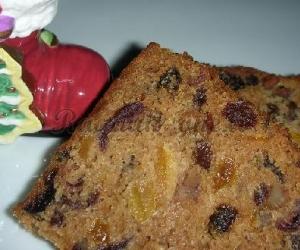 Kalėdinis pyragas su džiovintais vaisiais