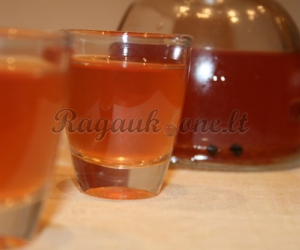 Alkoholinis kmynų gėrimas
