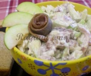 Silkės mišrainė su obuoliais