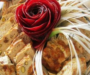 Farširuota višta su pistacijų riešutais