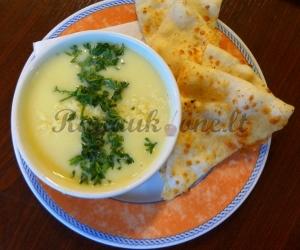 Trinta sūrio sriuba su daržovėmis ir lavašo traškučiais