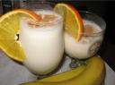 Bananų ir ledų kokteilis