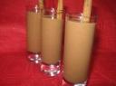 Pieno gėrimas su šokoladu ir bananais