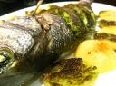 Kepta žuvis su pesto padažu