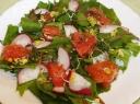 Salotos su greipfrutais ir kanapių sėklomis