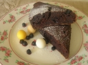Drėgnas šokoladinis pyragas su mėlynėmis
