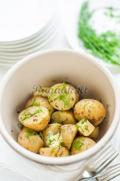 Virtos bulvės su sviestu