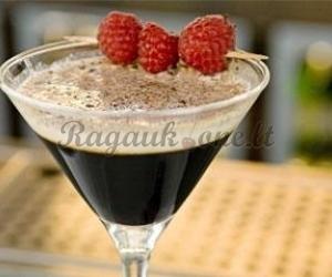 Kokteilis su šokoladu