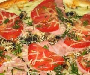 Pica su kumpiu ir sūriu