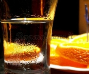 Degtinė su apelsino žievele