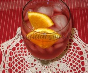 Rabarbarų gėrimas