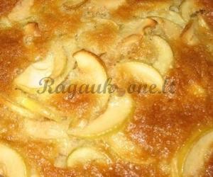 Paprastas ir skanus obuolių pyragas