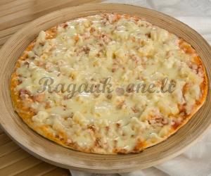 Pica su vištiena ir ananasais
