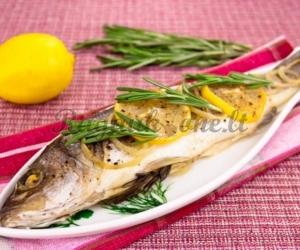 Folijoje kepta žuvis