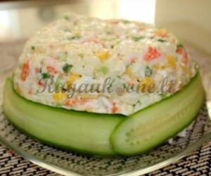 Krabų salotos su daržovėmis