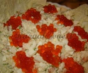 Egzotiškos salotos su ikrais