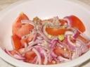 Šviežios pomidorų salotos