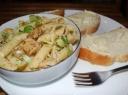Salotos su mėsa ir makaronais
