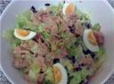 Pekino kopūsto ir tuno salotos