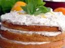 Skanus tortas su vaisiais