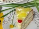 Tortas su vaniliniu kremu ir ananasais