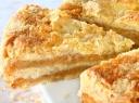 Trapus pyragas su obuoliais ir cinamonu
