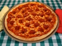 Plonapadė pica su saliamiu