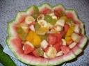 """Vaisių salotos """"arbūzo krepšelis"""""""
