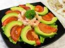 Krevečių ir avokadų salotos