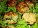 Cukinijos kepsneliai su salotomis