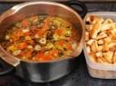 Česnakų sriuba su skrebučiais