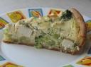 Pyragas su brokoliais ir sūriu
