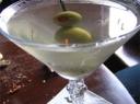 Vermuto kokteilis su alyvuogėmis
