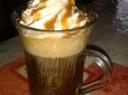 Kava su grietinėle ir karamele