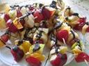 Šokoladiniai vaisių šašlykai